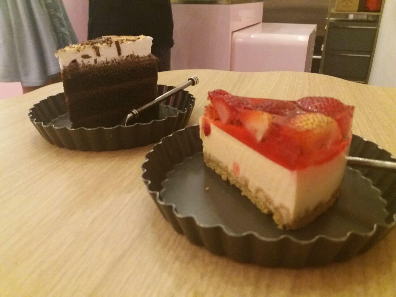 Strawberry Tofu Cheesecake & Missipi Smores Cake