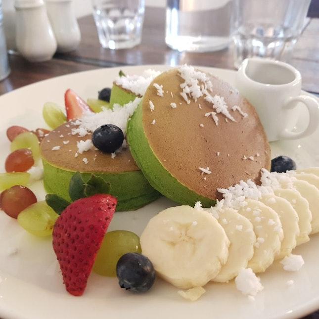 Blueberry Pandan Pancakes ($15.8)