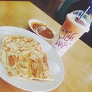 Roti prata for breakfast cuz i cant find lormee nearby