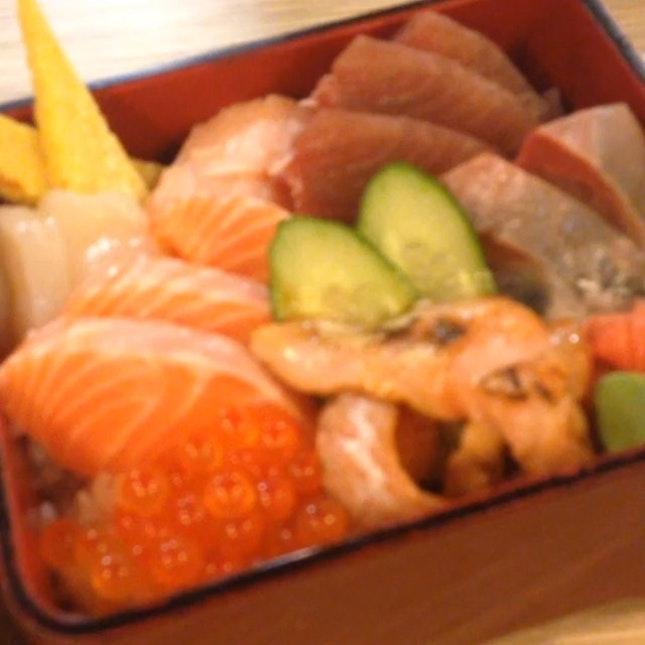 SO WOBBLYYYY #aiyaneverfocus #japanese #foodporn #thesushibar #instavideo #burpple