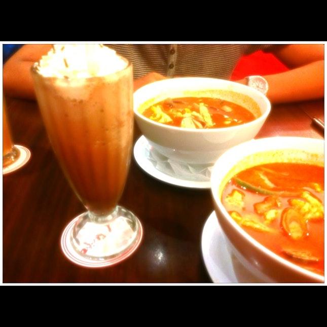 Mee Hoon Tomyam With Chocolate Milk Shake