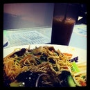 Fried noodles with mixed veggies and Tea and Coffee Mix drink #foodie