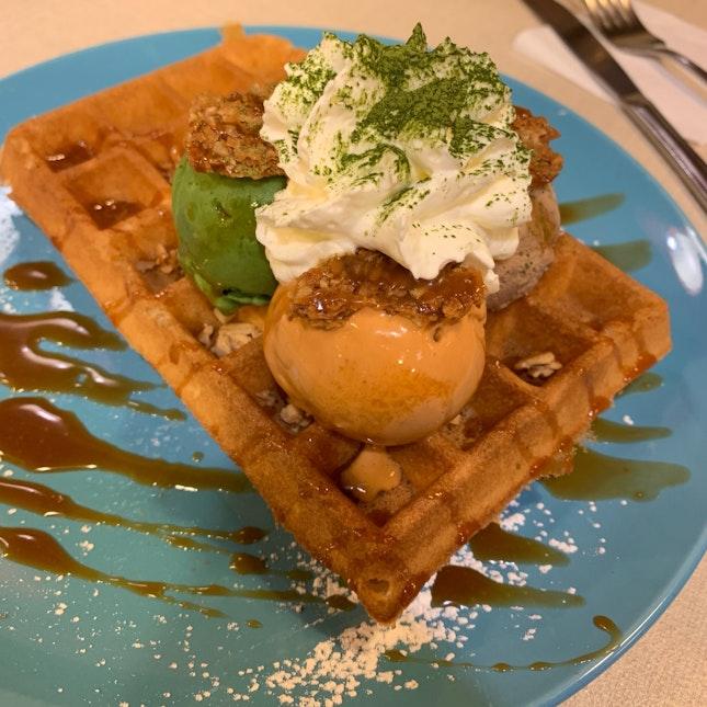Milk Tea Ice Cream With Waffles