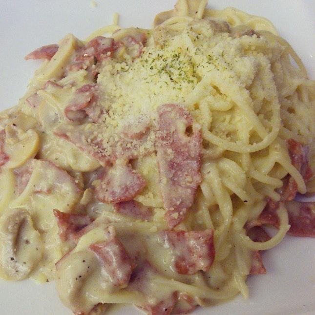 Creamy Carbonara #lunch w/ mummy #food #happyfood #foodstagram #foodspotting #instafood #igersmy #igmalaysia #instanegaraku #malaysia