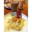 Spaghetti Carbonara 🍝 nice Café with nice internet connection 😍 #kittencindy #earlydinner #cafetocafe #tabletotable #kuliner #instafood #foodgasm #foodoftheday #demandailing #surabaya