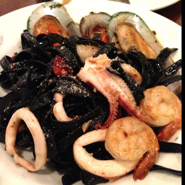 Black Fettuccine With Mixed Seafood