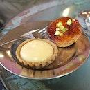 Lemon curd tart & Ginger brûlée tart.