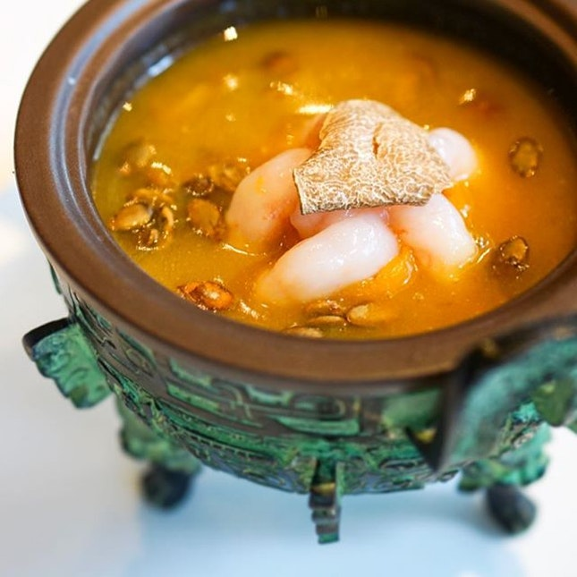 Major highlight of yesterday's meal at #TongLePrivateDining that featured some of the best produce from the Niigata Prefecture would be this Nanban Ebi Pumpkin Soup.