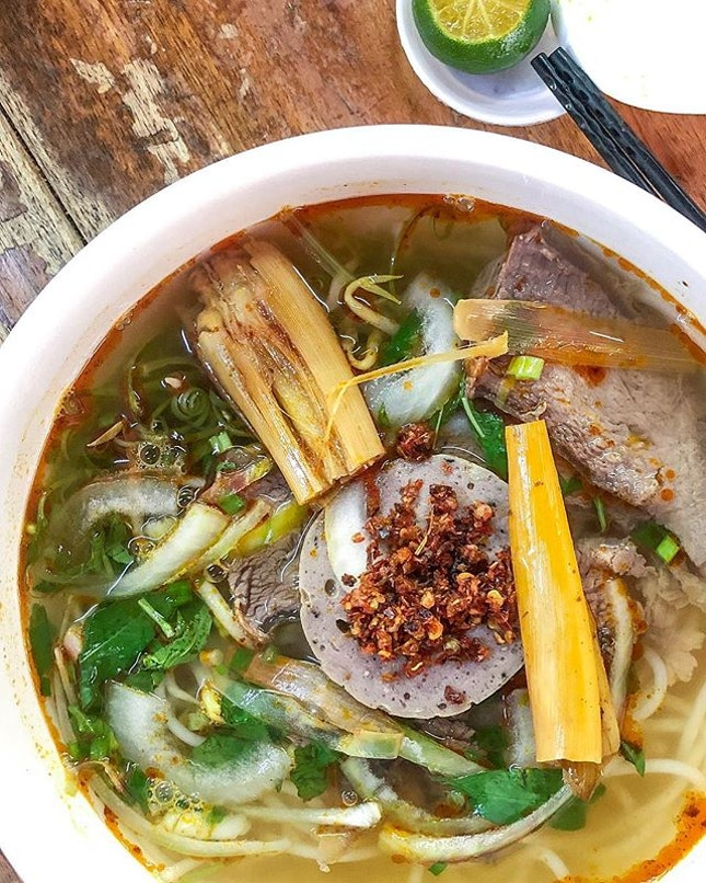 """Tucked at the back of Bugis Street Village, a place we definitely seen before but """"always just walk past"""" is this small Vietnamese store (food is prepared by a fierce looking Vietnamese lady), I would safely say it's pretty authentic."""