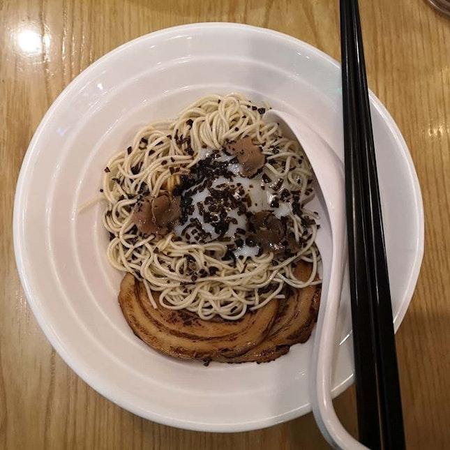Dry truffle ramen and signature tonkotsu ramen.