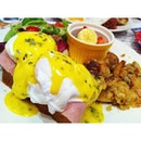 #eggsbenedict is how you should start a good #morning #breakfast #brunch #instadaily #love