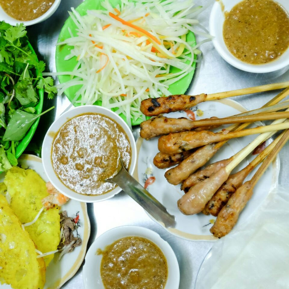 5 Things You Must Eat in Da Nang, Vietnam