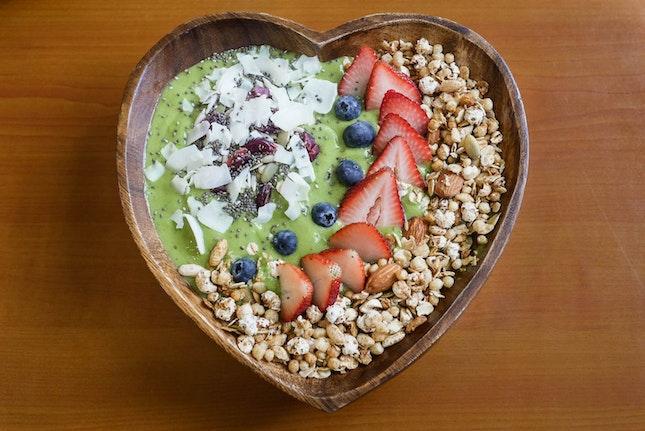 Gorgeous Fruit Bowls Too Pretty to Eat