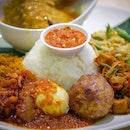 The Nasi Ambeng is Huge