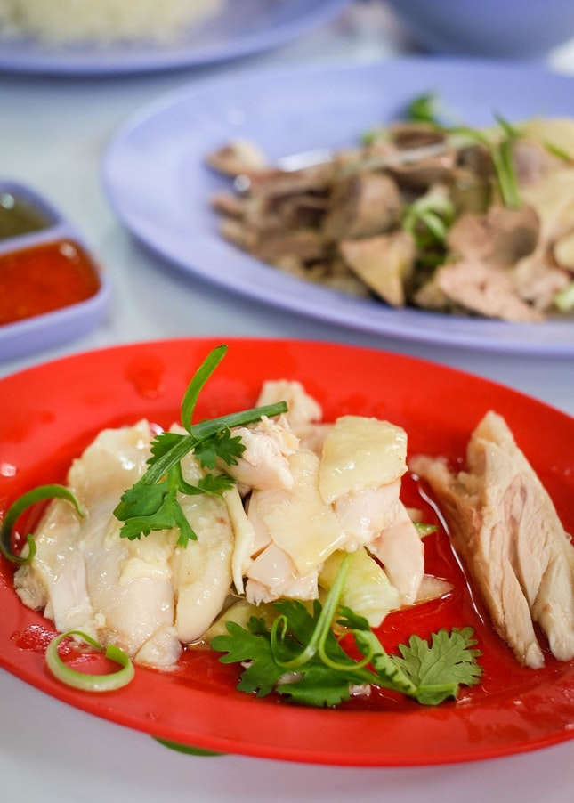 Hole-in-the-Wall Eatery that Serves Tender Chicken Rice