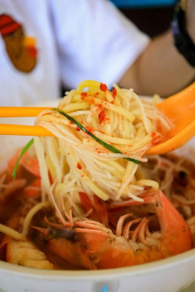 A Shiok Bowl of Prawn Noodle Near Bedok Reservoir Park