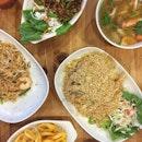 Thai food with my girls last night ❤️