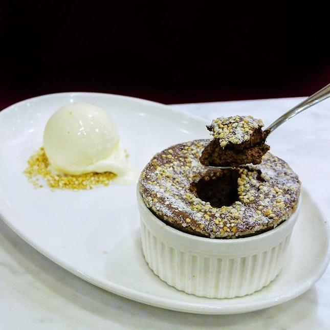 Chocolate Soufflé from @bakerzin.sg ❤️ 我的最爱!