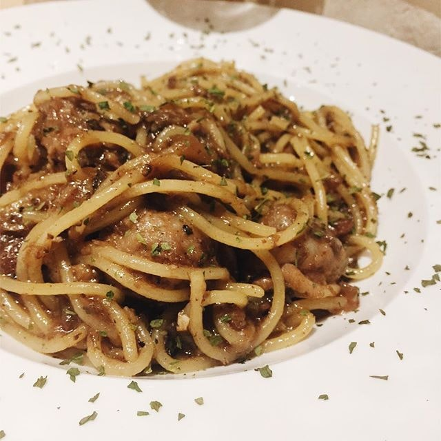 This might look like an unassuming plate of pasta, but the Caramel Carnivore ($16.90) roared with its ferocity of flavours that exploded in our mouths.