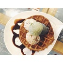 The more (#icecream scoops), the merrier 😝 #sweettreats #waffles #sgig #sgcafes #vsco #vscocam #vscogram #vscocollections #vscophile #sgfoodies #foodgasm #sharefood #foodphotography #instafood #vscofeature #foodporn #vscofood #vscovibe #vscostyle #vscocomp #vscoaesthetics #vscocamsg #burpple