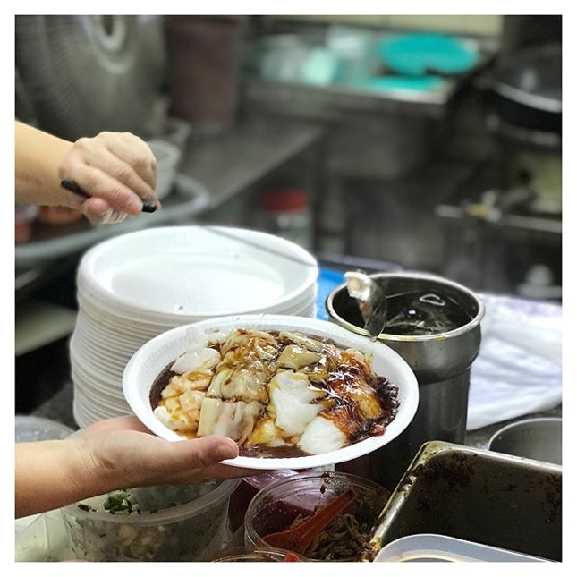 Currently still dreaming and thinking of this perfect plate of freshly made chee cheong fun (猪肠粉) from this store called Freshly Made (literally), located at the Old Airport Road Hawker Centre!