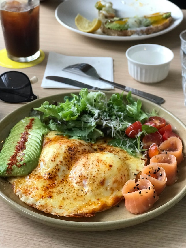 Molten Eggs, Smoked Salmon, Avocado, Salad