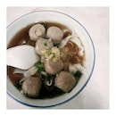 even i don't take beef..but can't resist to have a bowl too...with beef ball instead...it's way too yummy !