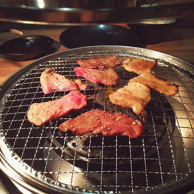 We super miss the Jap BBQ near our Tokyo hotel!!