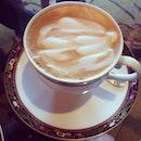 吃饱就想睡,来杯咖啡提提神。 😴💤☕️ #coffee #caffeine
