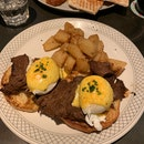 Egg Benedict With Steak