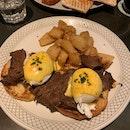 Egg Benedict With Steak