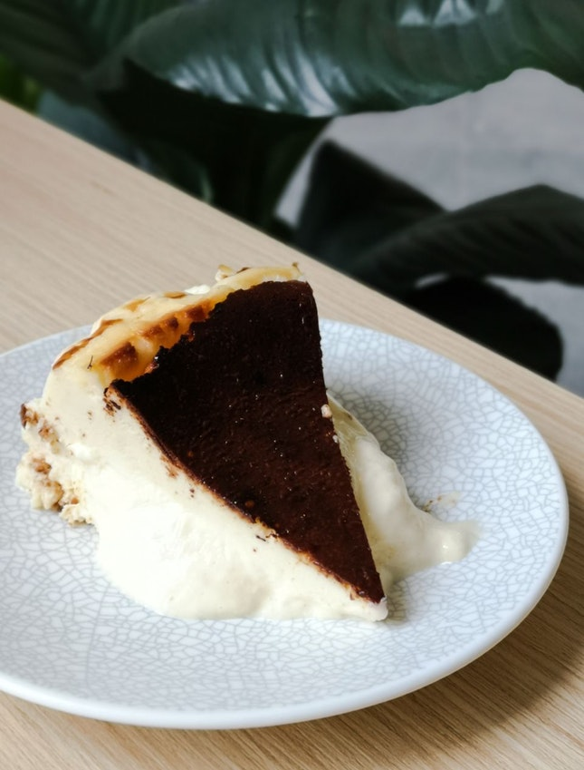 Kin's Burnt Cheesecake