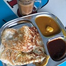 a self-proclaimed creature of habit so i'm back to the tried-and-tested Ali Khan for some good ol' crispy plain prata (nope, no funky flavor this time) while waiting for the Royal Sporting House Warehouse doors to open at 10am.