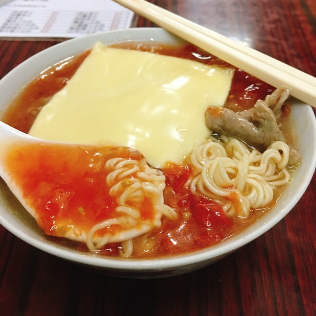 Tomato Cheese Noodles With Beef (HKD37)