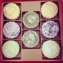 first box for the year, snowskin mooncakes from regent hotel for the third year running.