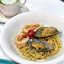 Build Your Own Pasta - Aglio Olio Seafood [$13.90]