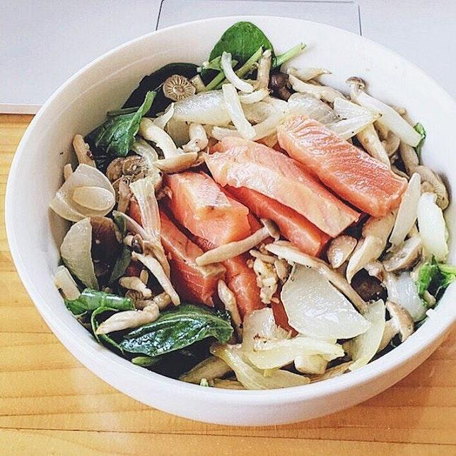 Homemade Salmon Bowl