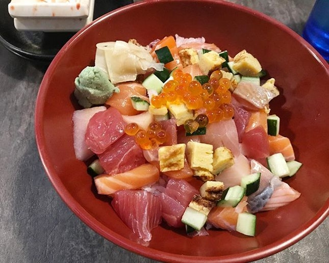 Chirashi Don at @thesushibar_sg is ❤️ - always executed to perfection with the freshest fish.