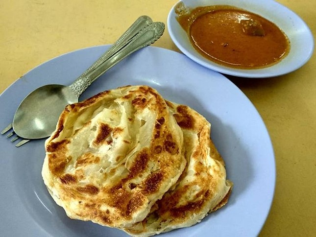 Finally took a trip down to eat the famous Mr and Mrs mohgan super crispy roti prata!