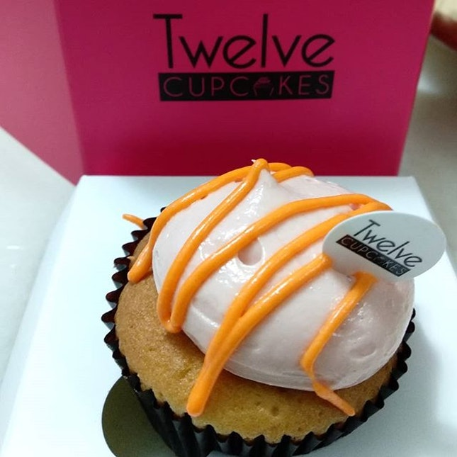 Yay to #grabsg again for this week's #twelvecupcakes deal .
