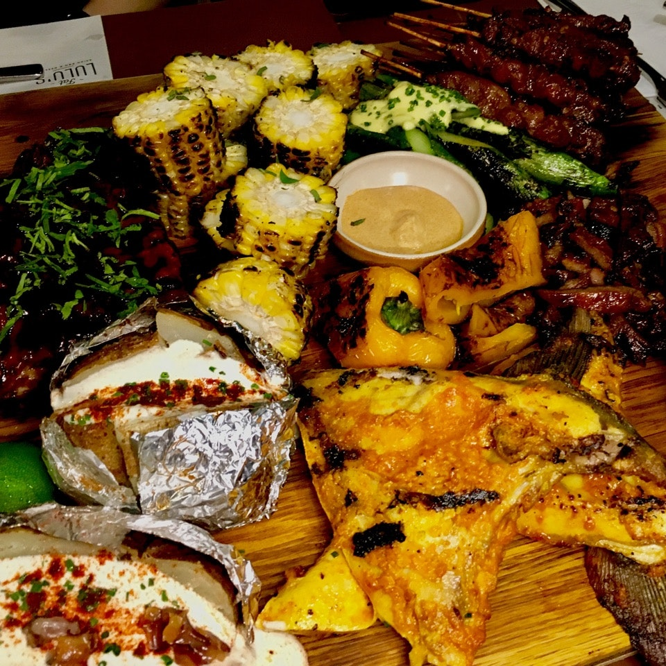 Pig 🐷 Out Platter At Fat Lulu's