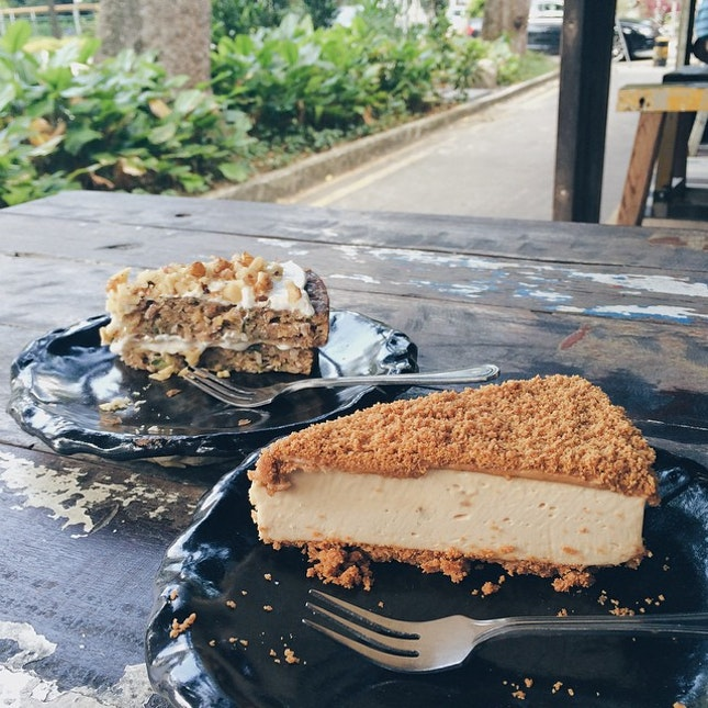 That second stomach; zucchini cake and speculoos cheesecake!
