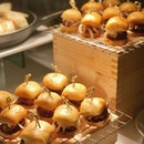 What I want for breakfast are these Turkey Mantou Sliders from @goodwoodparkhotelsg festive takeaways!