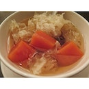 Double-boiled Papaya with white fungus, red dates and dried Longan.