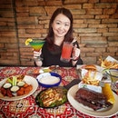 Wow look at my feast at @chilissingapore in @tanglinmallsg I always love the their classic American as well as the southern western inspired dishes.