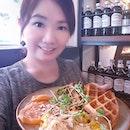 Hee hee I always love to selfie with my food!!!