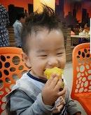 Awww Little Travis @myprincetravis love the sweet potato from Dondondonki @donkisg haha.