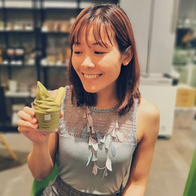 A firework of intense genmai bursting in unexpected happiness 🎇 was exactly how I felt when I placed a scoop of @matchayasg Green Tea Genmai soft serve in my mouth!