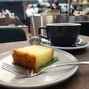 Tried the kueh bingka ubi (baked tapioca cake) - a little sweet for Poms but still pretty good with a hot long black:) #poomsandpoms #foodies #sgfood #sgfoodies #sgeats #sgfoodporn #singaporefood #sgfoodtrend #eatmoresg #eatoutsg #foodinsing #yummyinmytummy #fatdieme #sgdrinks #sgdessert #dessert #dessertporn #sgcafe #sgcafefood #sgcafehopping #stfoodtrending #8dayseat #burpple #coffeegram #kuehbingkaubi #papapalheta #pppcoffee #funansg