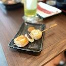 Mixed skewer of fresh prawn, leek, and a juicy grilled scallop 😋 #poomsandpoms #foodies #sgfood #sgfoodies #sgeats #sgfoodporn #singaporefood #sgfoodtrend #eatmoresg #eatoutsg #foodinsing #yummyinmytummy #fatdieme #sgbars #bars #stfoodtrending #8dayseat #burpple #skewers #hibikisakebaranddine #plqmall #payalebarquarter #payalebar